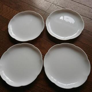 ヤマザキのお皿 四枚