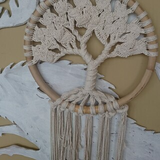 アート編み物-生命の木