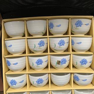 茶碗です  一箱1000です