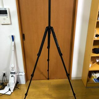 【差し上げ】一眼撮影三脚 折畳式、全高1.7m、安定性良い