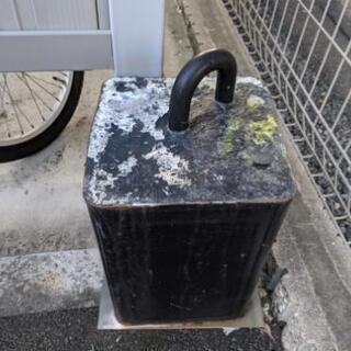 オートバイ用のロック用コンクリートブロック