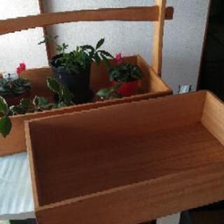 手持ち付きの木箱