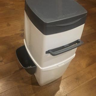 ペット用消臭ゴミ箱 リターロッカー