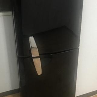 冷蔵庫 136L おしゃれなブラック
