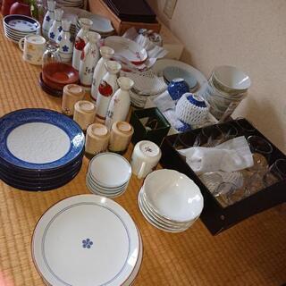 お皿  グラス たくさん