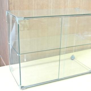 引き戸付き ガラスの2段ショーケース コレクションの展示・保管に...