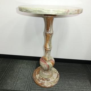 ★大理石のオシャレなミニテーブル 重厚感が有り、シックだと思います。