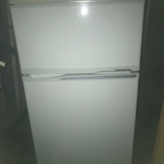 冷蔵庫譲ります 10月31日まで