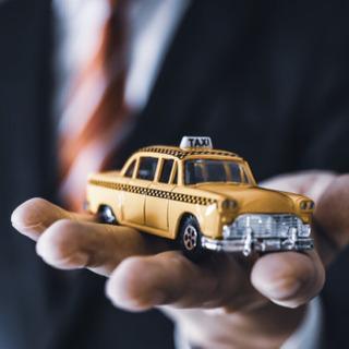平均月収64万円!高級タクシー、ハイヤーのドライバー大募集!😽