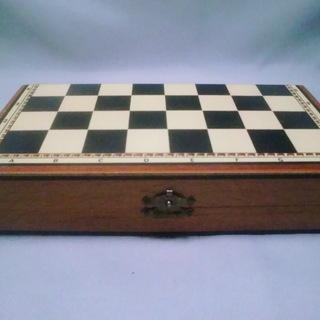折りたたみ木製ケース盤チェス式