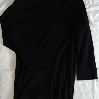 ユニクロベーシックロングTシャツ