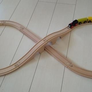 木のおもちゃ  木製8の字レールと機関車セット