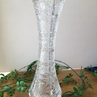 ボヘミアングラスの花瓶