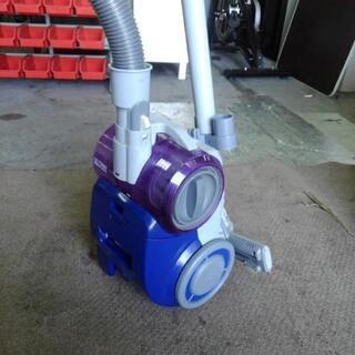ツインバード サイクロン掃除機 YC-5018 2012年製