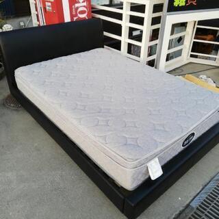 ダブルサイズのベッドセット、お売りします。