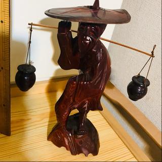 珍品、木彫 高さ13センチ。