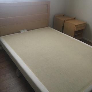 大塚家具のベッドフレームとサイドキャビネットのセット