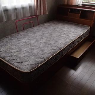 シングルベッドあげます。