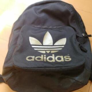 adidasクラシックバックパック カラー【ブラック×ゴールド】