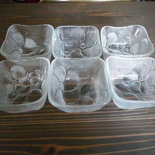 ガラス食器シリーズ7(四角鉢中)