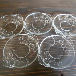 花柄ガラス皿