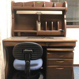 学習机。社長机にも⁉️