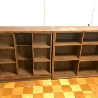 本棚、2セット。(左右に動く棚が2か所付いています。横置きも縦置...