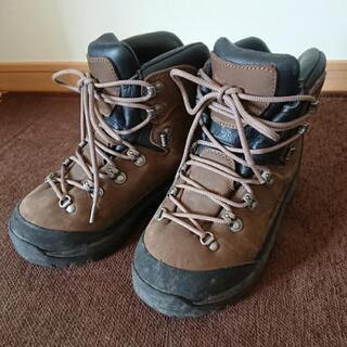 mont-bellの登山靴23,5cm 皮 ゴアテックス