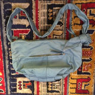 【値下げしました】水色レザーバッグ