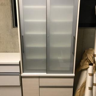 ベルメゾン食器棚 定価11万4800円