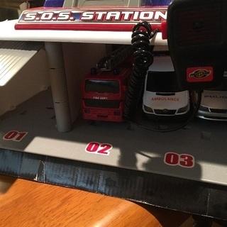 緊急車両ステーション 車セット おもちゃ