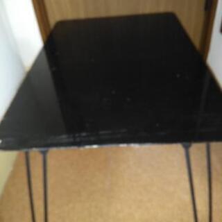 小さいテーブル