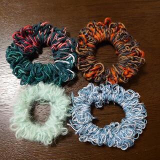 6色から選べる指編みシュシュ