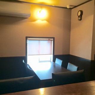 お酒中心のカフェです