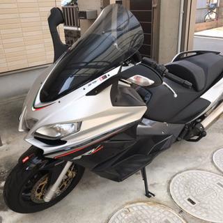 アプリリア  世界最速 ビッグスクーター 850cc