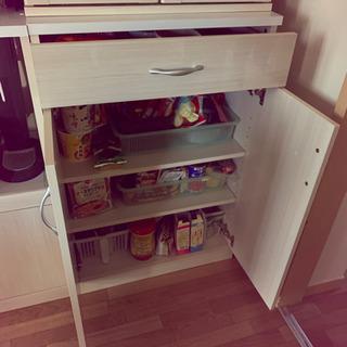 ニトリ 食器棚 キッチンボード ほぼ新品 - 家具