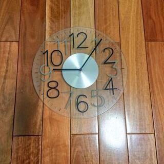 【ニトリ】掛け時計ジャンク・クリアガラス箱付き
