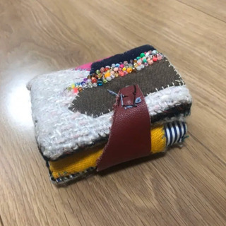 アーティスト ハンドメイド二つ折り財布