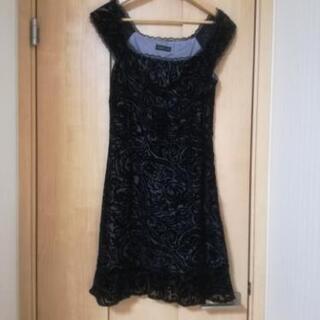 黒 フォーマル ドレス
