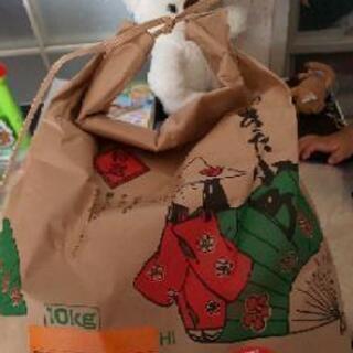 お米、2.75キロ。なん袋かあります。
