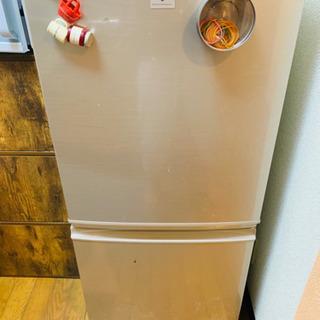 冷蔵庫または洗濯機(かなり綺麗)