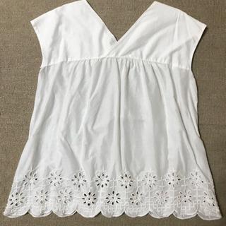 【値下げ】トップス UNIQLO ユニクロ ホワイト 白 Mサイズ - 服/ファッション