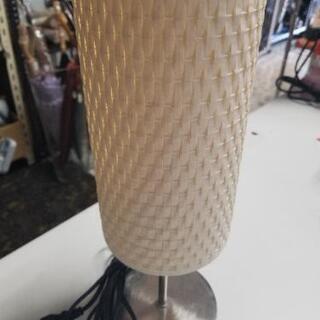 白色 籐風のスタンドライト 直径12.5cm高さ36.5cm