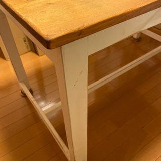 カントリーフレンチ風テーブル