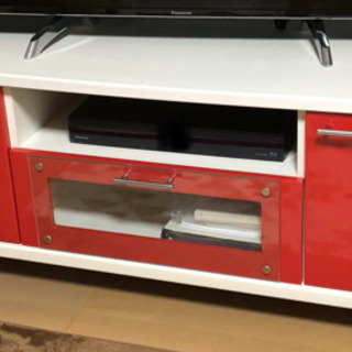 【取引完了】バイカラー(赤×白)のテレビ台