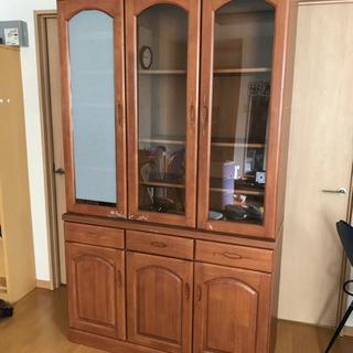 食器棚です。値下げしました。