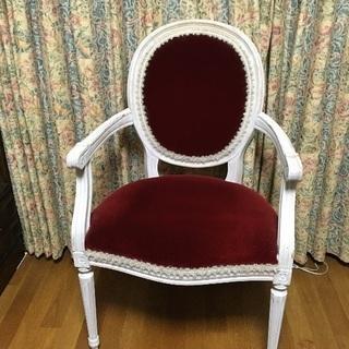 シャビーなロココ調椅子2脚