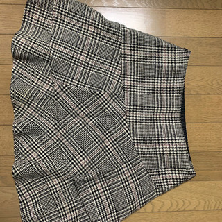 ツイードのダブルフリルのスカート