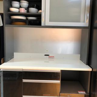 キッチン カップボード 食器棚