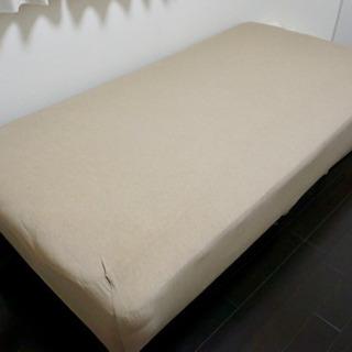脚付きベッド